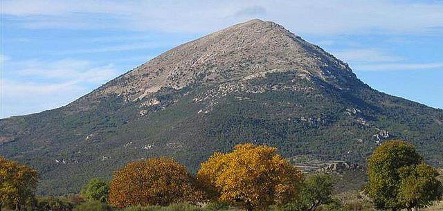 SUBIDA A LA SAGRA (2383 m) 21 Y 22 de Abril